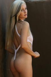 Macie Meyers In White Body-03