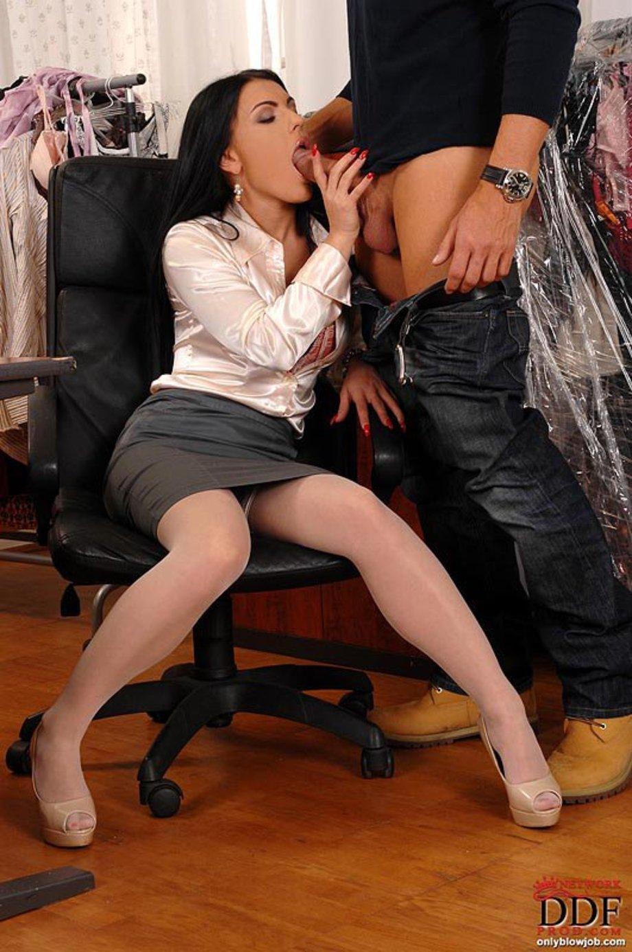 Жесткий порно девушка на высоких каблуках порно фото